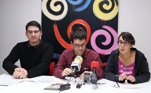 Raúl Salinero (izda.) con Héctor García y Antea Izquierdo/PCR