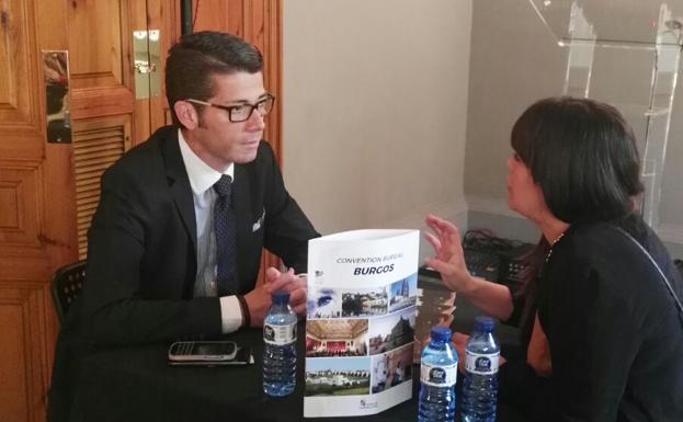 Burgos presenta en barcelona su oferta de turismo de for Oficina turismo burgos
