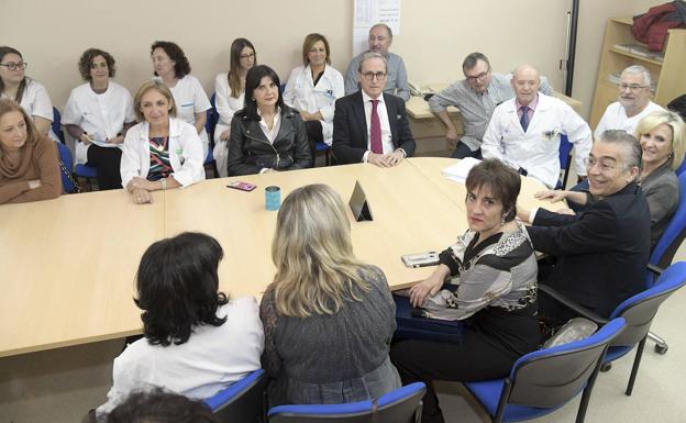 Imagen de la visita de Verónica Casado a Briviesca, en una reunión en la que estuvieron Sanmartín y Rodríguez/Ricardo Ordóñez   ICAL
